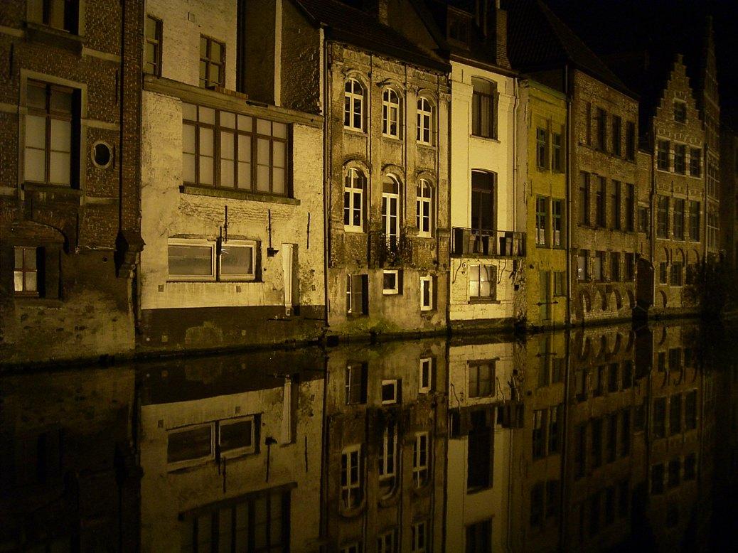 Spiegelungen in Gent