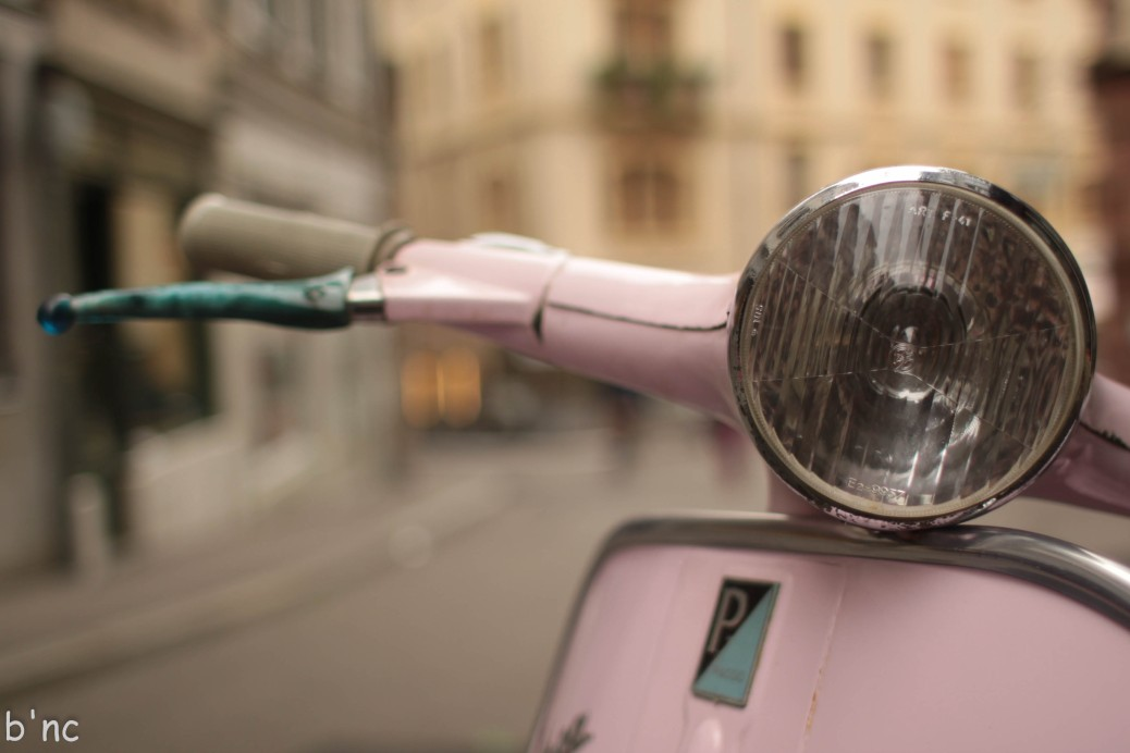 Vespa Detail: Scheinwerfer