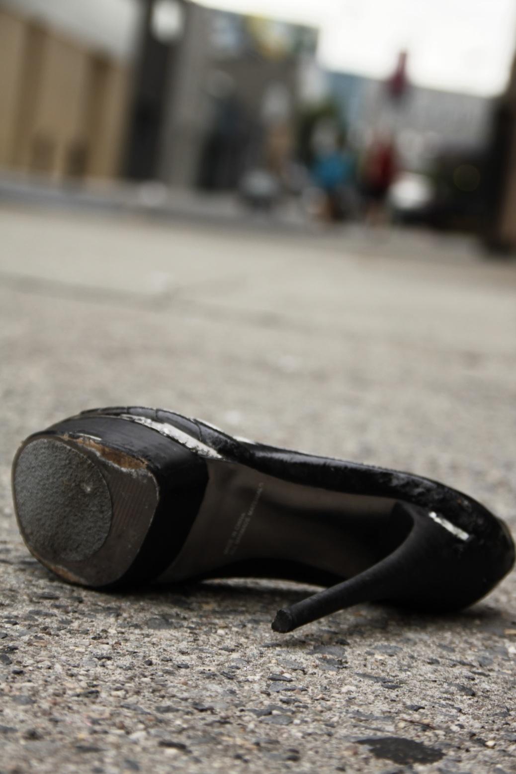 Froschperspektive Schuh des Aschenputtel in NY