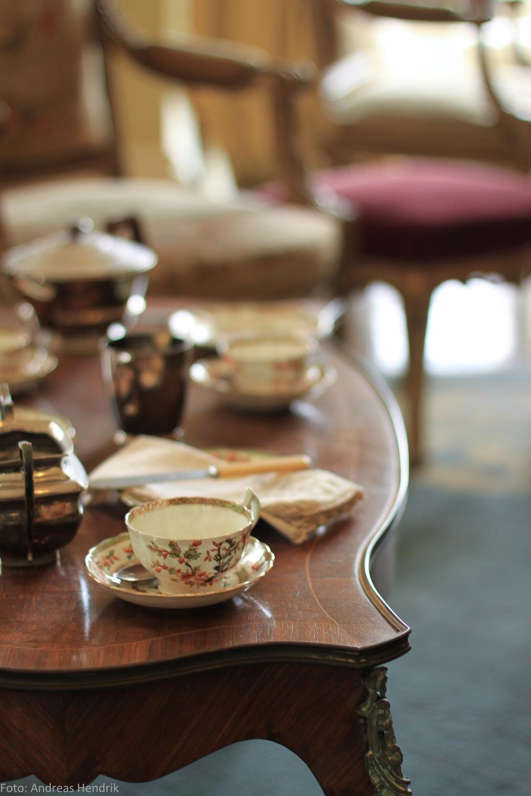 Kylemore Abbey Tea Set