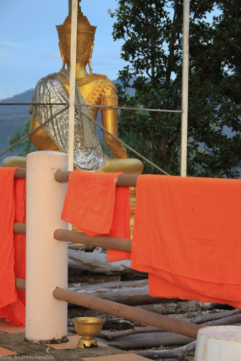 Thailand Mae Hong Song, Monk clothes drying in the sun