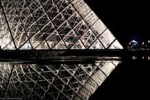 Louvre Pyramide ny night crystal AdRGB-2