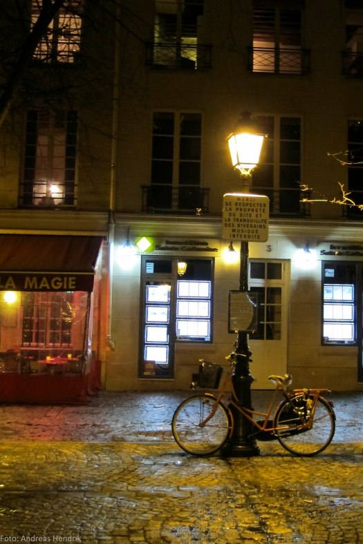 bicycle Paris Colours of the night AdRGB-5