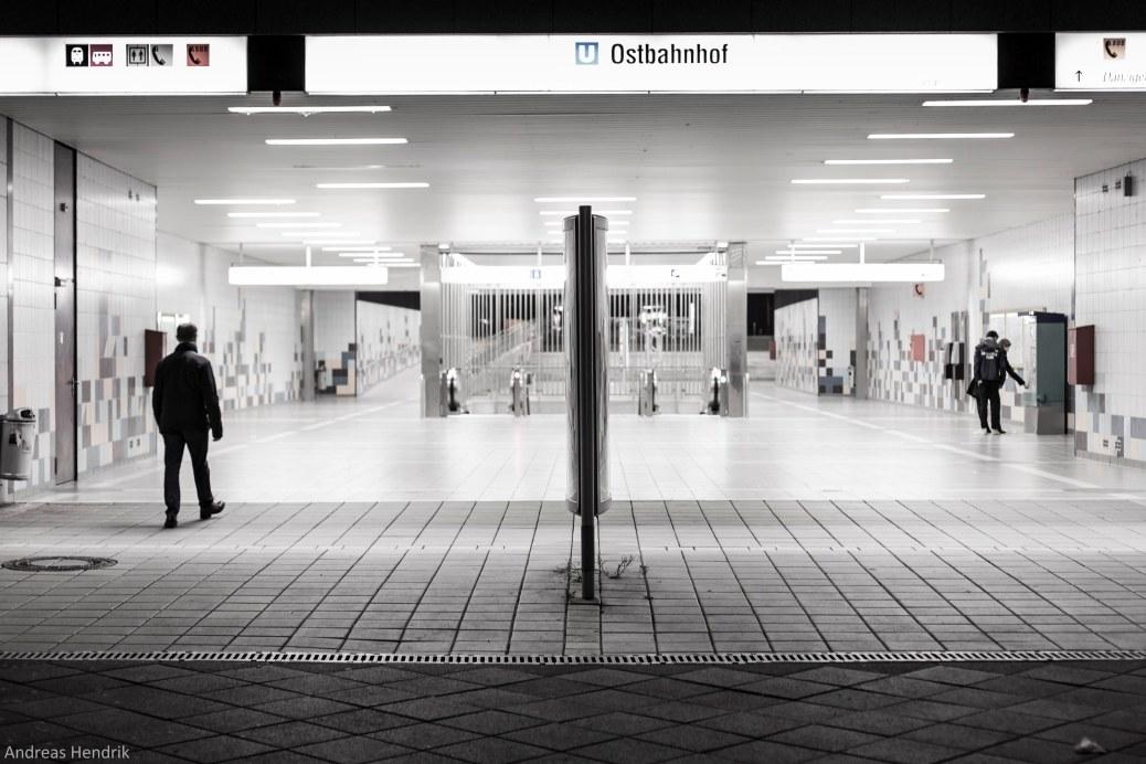Frankfurt Ostbahnhof by night