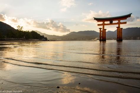 schwebendes Torii Itsukushima-Schrein-3